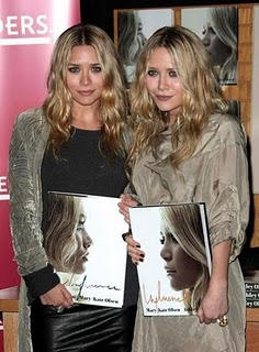 (BILLIONAIRE) OLSEN TWINS FATHER CRIES BROKE | The World ...